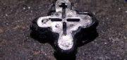 Wystawa Okruchy świętości. Relikwie Drzewa Krzyża Świętego — stauroteka z Ostrowa Lednickiego